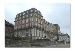 hotel-des-roches-noires-ex-300x204