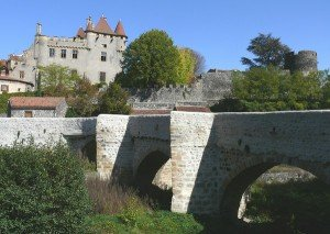 St-amant-tallende-vieuxc-pont-300x213